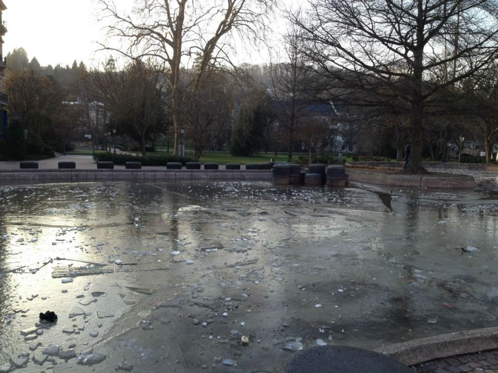 Le lac gelé de Baden Baden en février