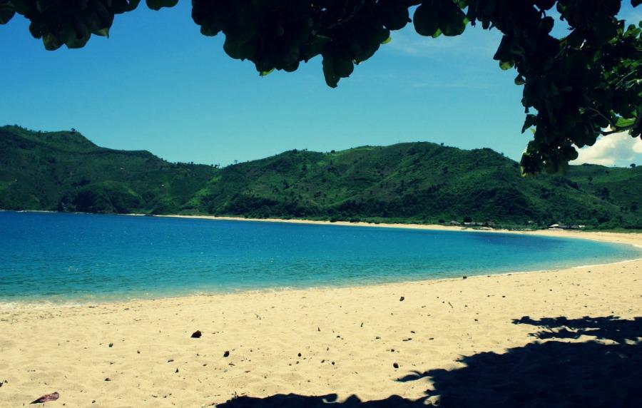 Voici une des plus belles plages du monde : la plage de Mawun à Bali.