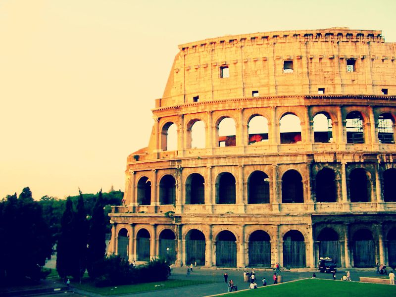 Le Colisée est un des monuments phare à Rome.